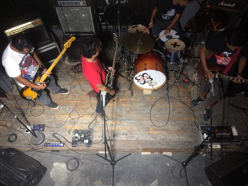08-Showcase-borneobeer house